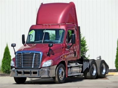 USED 2013 FREIGHTLINER CASCADIA 125 DAYCAB TRUCK #12039-1