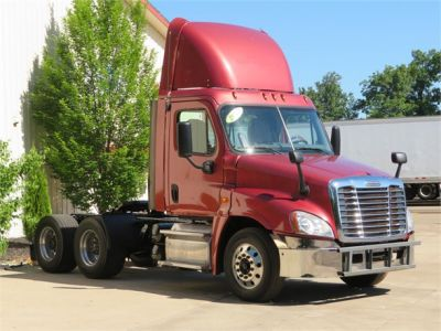 USED 2013 FREIGHTLINER CASCADIA 125 DAYCAB TRUCK #12039-2