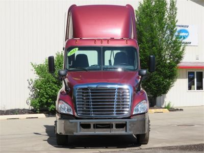 USED 2013 FREIGHTLINER CASCADIA 125 DAYCAB TRUCK #12039-3