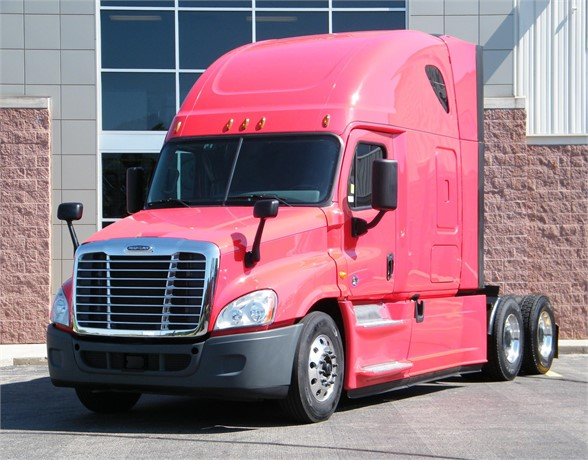 USED 2016 FREIGHTLINER CASCADIA 125 EVOLUTION SLEEPER TRUCK #12044