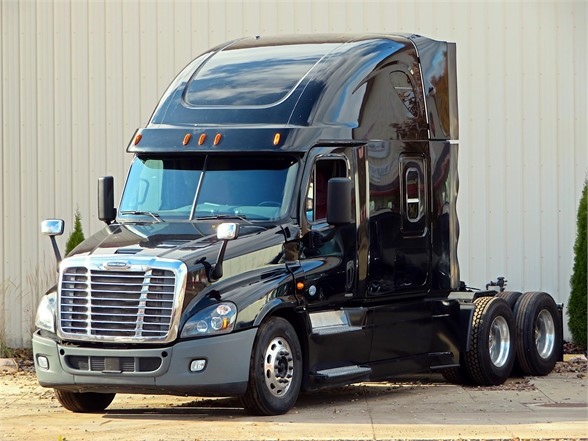 USED 2014 FREIGHTLINER CASCADIA 125 SLEEPER TRUCK #12141