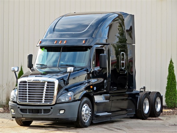 USED 2014 FREIGHTLINER CASCADIA 125 SLEEPER TRUCK #12151