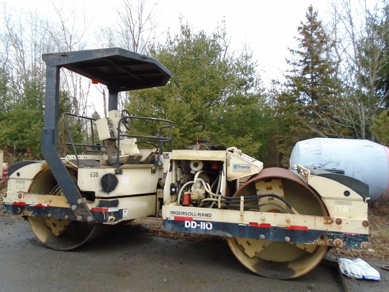 USED 2000 INGERSOL RAND DOUBLE DRUM DRUM / ROLLER COMPACTOR EQUIPMENT #1225