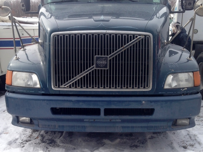 USED 2001 VOLVO VNL64T610 HOOD TRUCK PARTS #1282