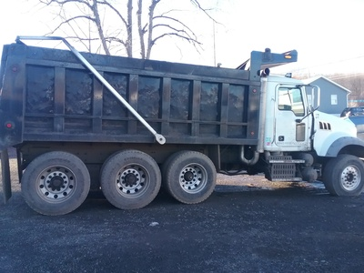 USED 2011 MACK GU - 713 TRI-AXLE STEEL DUMP TRUCK #1530-16