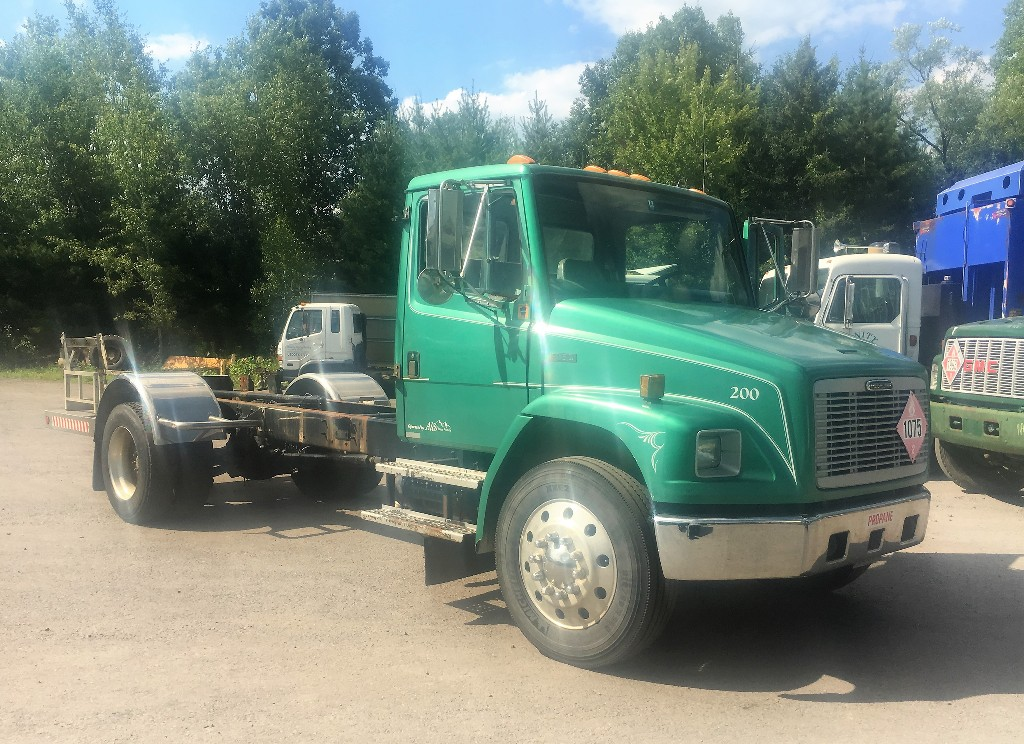 USED FREIGHTLINER FL80 CAB CHASSIS TRUCK #2369