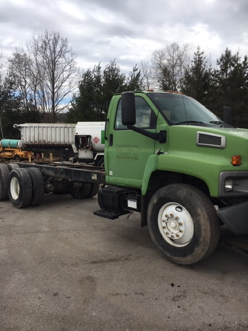 USED 2003 GMC 8500 CAB CHASSIS TRUCK #2441