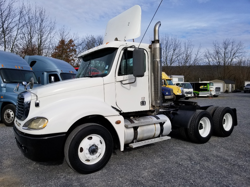 2007 FREIGHTLINER Columbia TANDEM AXLE DAYCAB 600563 Tandem Axle Daycab