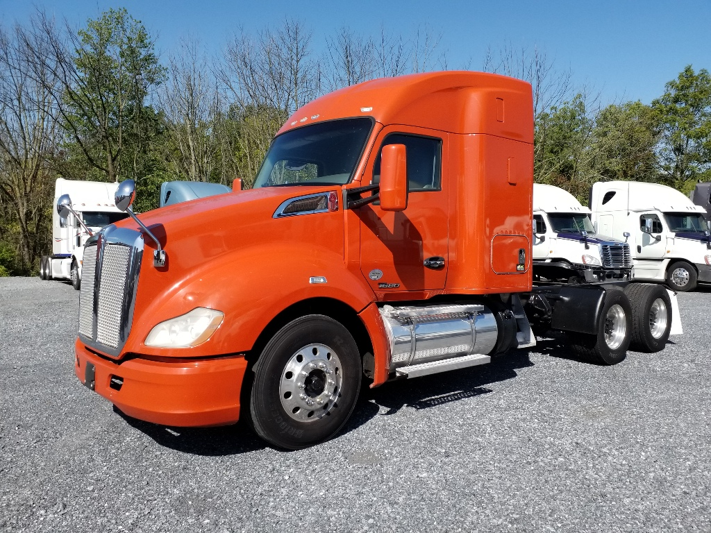 2015 KENWORTH T680 Tandem Axle Sleeper #166