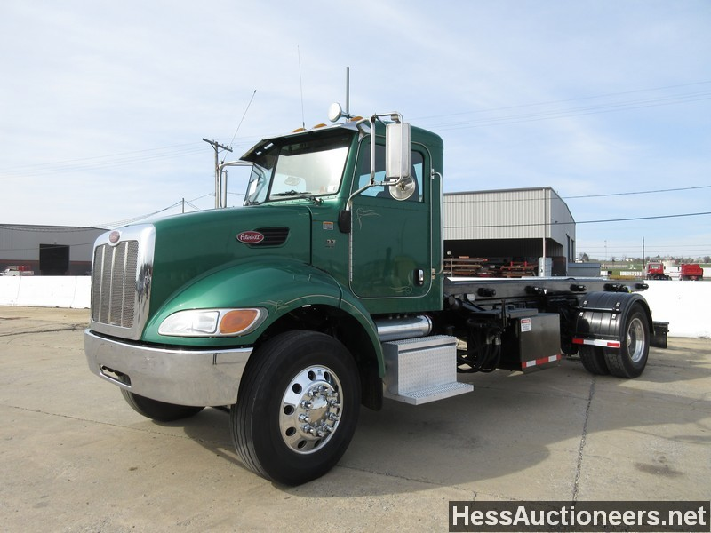 Used 2005 Peterbilt 335 Roll Off Truck For Sale In Pa 22942