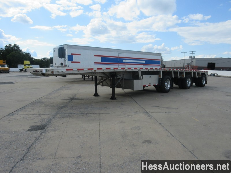 2004 REITNOUER 48' Flatbed Trailer