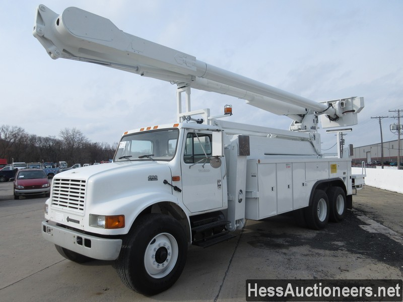 USED 2000 INTERNATIONAL 4900 BUCKET BOOM TRUCK TRAILER #27593