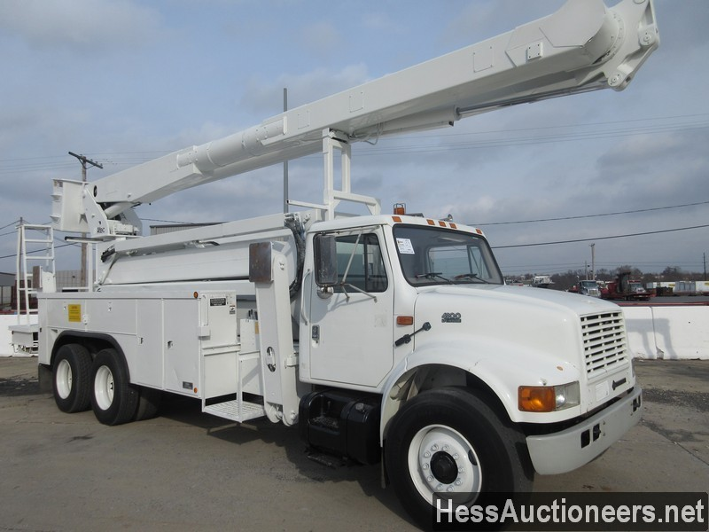USED 2000 INTERNATIONAL 4900 BUCKET BOOM TRUCK TRAILER #27593-2