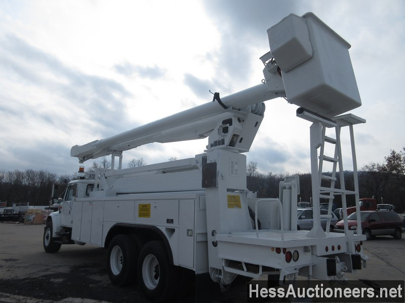 USED 2000 INTERNATIONAL 4900 BUCKET BOOM TRUCK TRAILER #27593-4