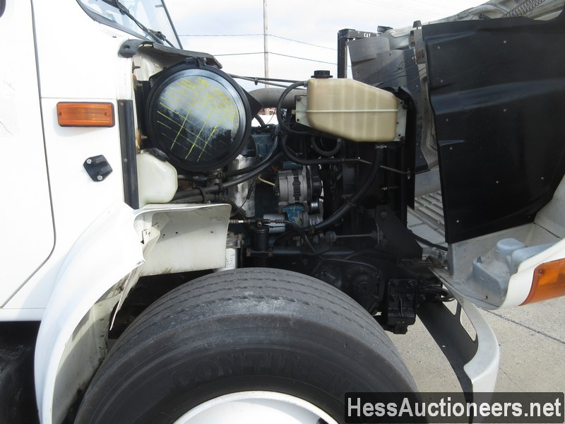 USED 2000 INTERNATIONAL 4900 BUCKET BOOM TRUCK TRAILER #27593-6