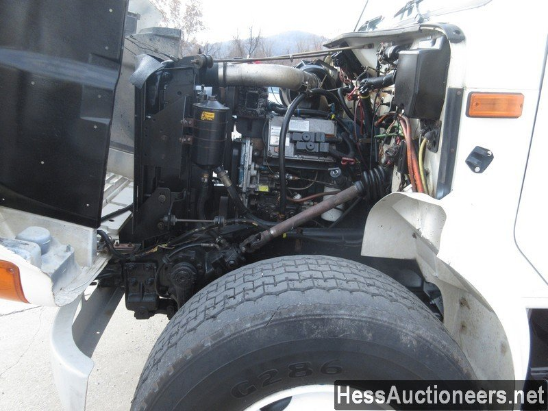 USED 2000 INTERNATIONAL 4900 BUCKET BOOM TRUCK TRAILER #27593-7