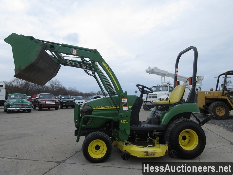 USED JOHN DEERE 2305 FARM TRACTOR EQUIPMENT #28156-9