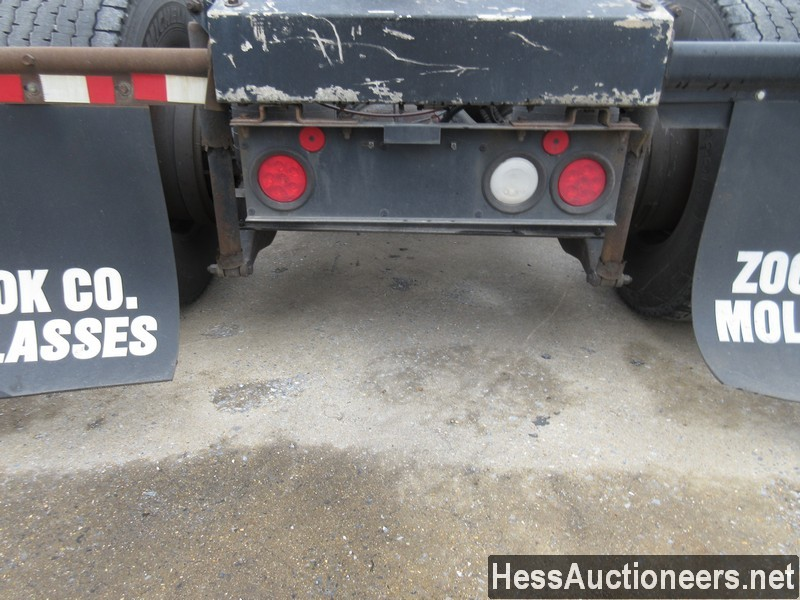 USED 2007 PETERBILT 386 TANDEM AXLE DAYCAB TRAILER #34524-13