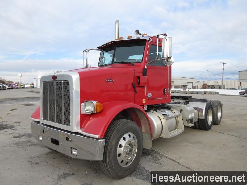 USED 2013 PETERBILT 365 TANDEM AXLE DAYCAB TRAILER #34657