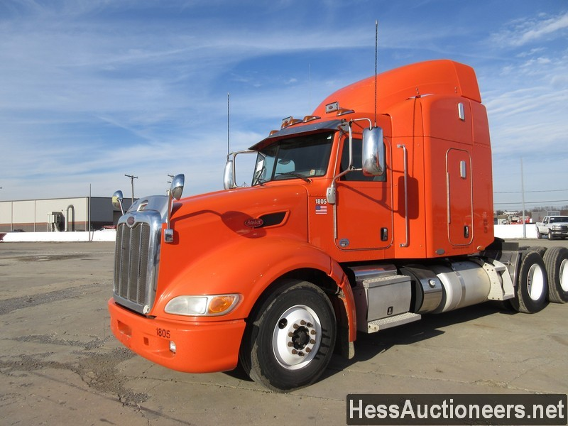 USED 2011 PETERBILT 386 TANDEM AXLE SLEEPER TRAILER #35374