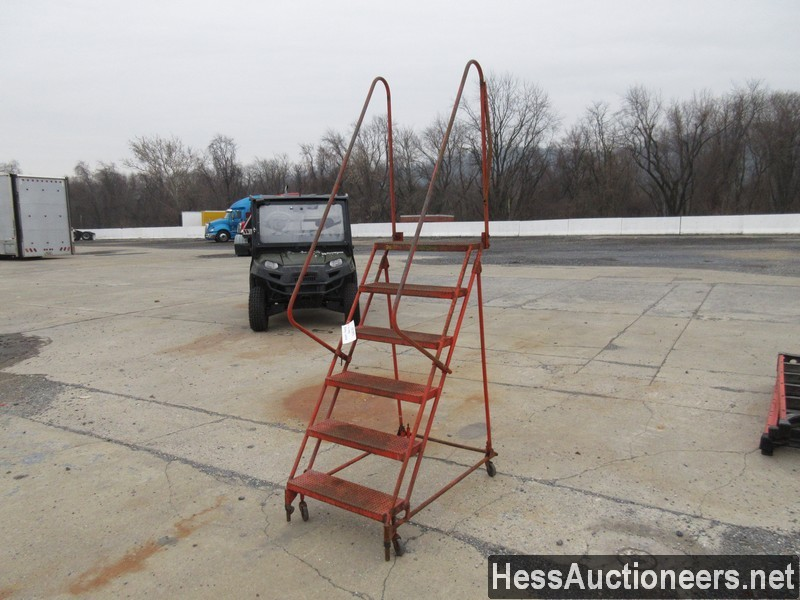 USED 6 STEP ROLLING LADDER EQUIPMENT #35385