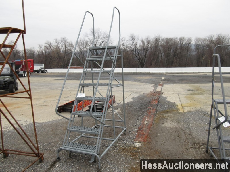 USED 8 STEP ROLLING LADDER EQUIPMENT #35386