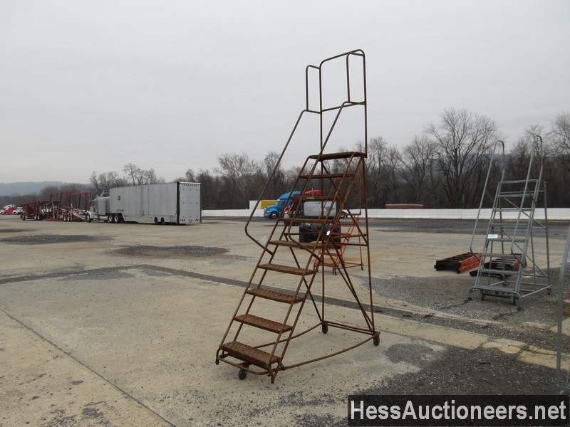 USED 9 STEP ROLLING LADDER EQUIPMENT #35387