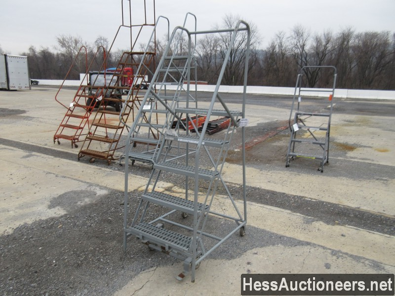 USED OTHER 5 STEP ROLLING LADDER EQUIPMENT #35388-1