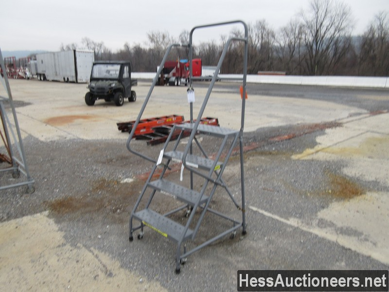 USED 4 STEP ROLLING LADDER EQUIPMENT #35389