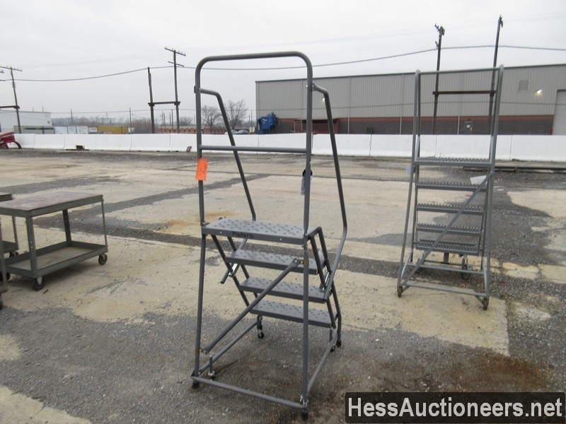 USED OTHER 4 STEP ROLLING LADDER EQUIPMENT #35389-2