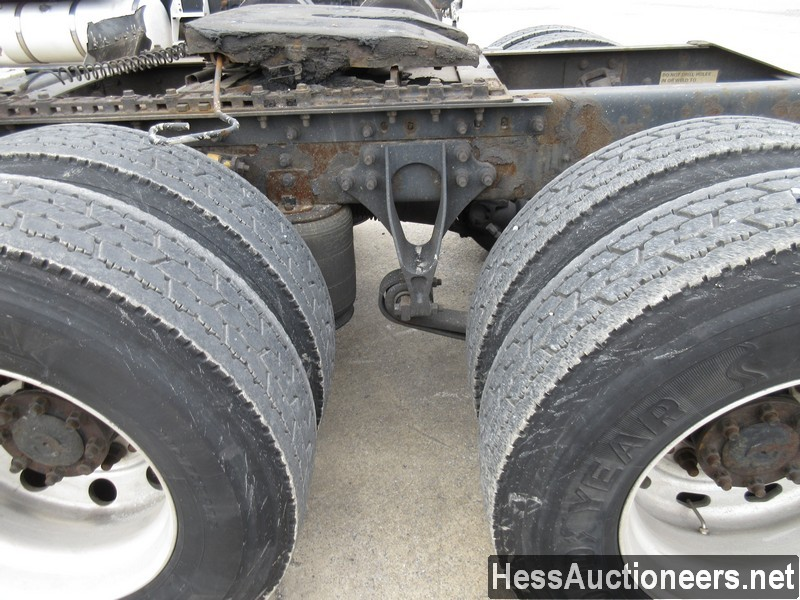 USED 2007 INTERNATIONAL 9400 I TANDEM AXLE SLEEPER TRAILER #35445-15