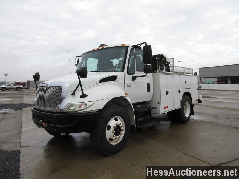 USED 2005 INTERNATIONAL 4300 SERVICE - UTILITY TRUCK TRAILER #35462
