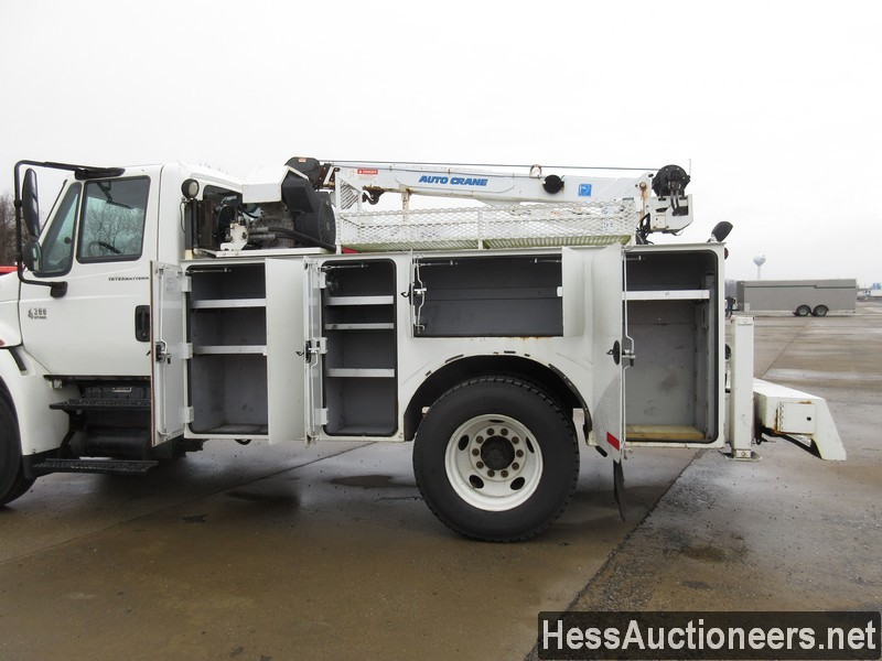USED 2005 INTERNATIONAL 4300 SERVICE - UTILITY TRUCK TRAILER #35462-18