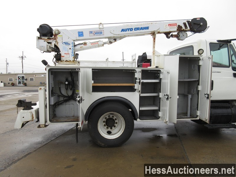 USED 2005 INTERNATIONAL 4300 SERVICE - UTILITY TRUCK TRAILER #35462-19
