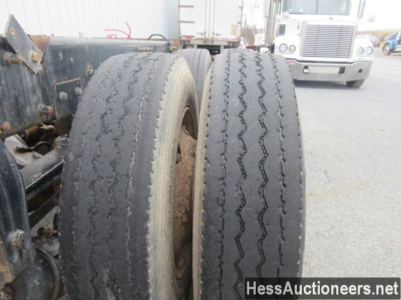 USED 2000 PETERBILT 379 TANDEM AXLE SLEEPER TRAILER #35473-21