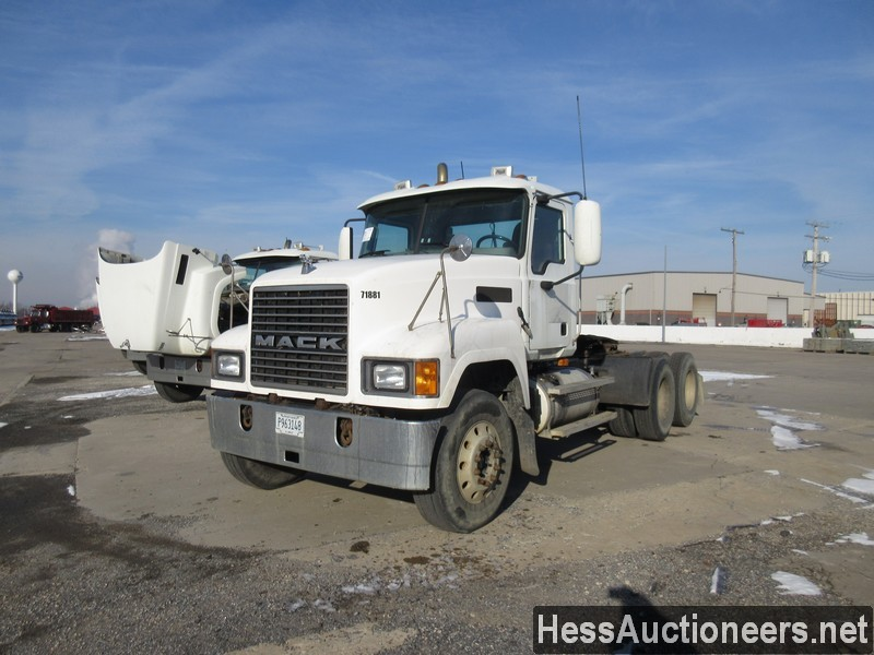 USED 2007 MACK CHN613 TANDEM AXLE DAYCAB TRAILER #35496