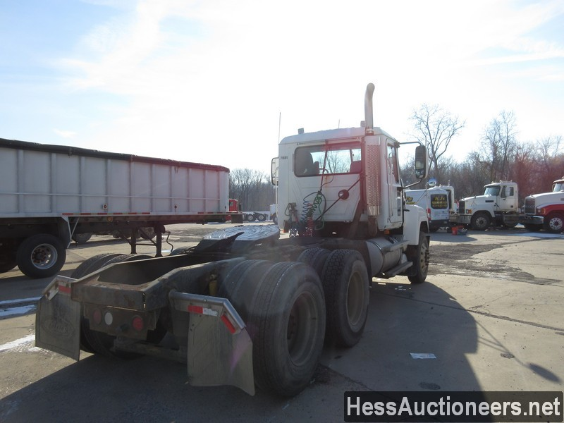 USED 2007 MACK CHN613 TANDEM AXLE DAYCAB TRAILER #35496-3