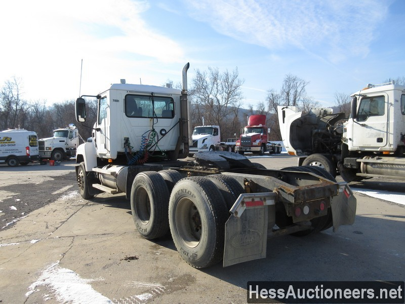 USED 2007 MACK CHN613 TANDEM AXLE DAYCAB TRAILER #35496-4