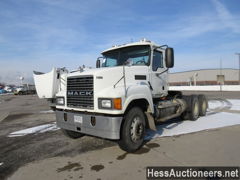 USED 2007 MACK CHN613 TANDEM AXLE DAYCAB TRAILER #35500