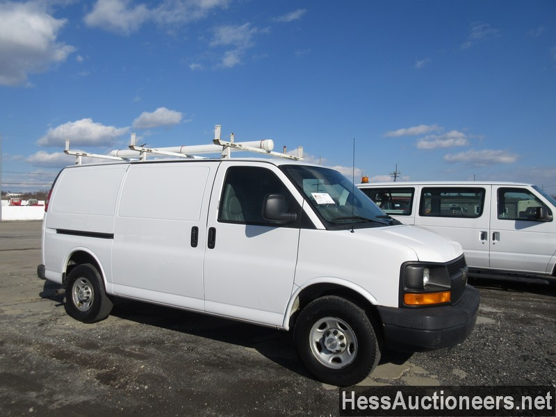 USED 2007 CHEVROLET EXPRESS MINI VAN PASSENGER VEHICLE #35893-2