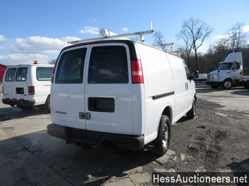 USED 2007 CHEVROLET EXPRESS MINI VAN PASSENGER VEHICLE #35893-3