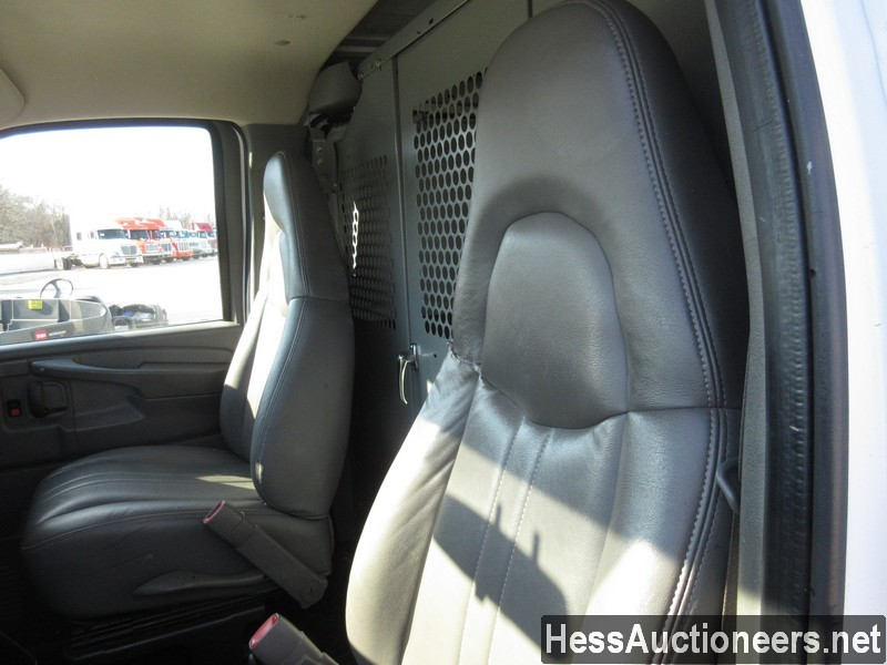 USED 2007 CHEVROLET EXPRESS MINI VAN PASSENGER VEHICLE #35893-7