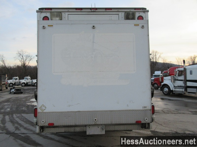 USED 1999 CHEVROLET C6500 BOX VAN TRUCK TRAILER #36120-17