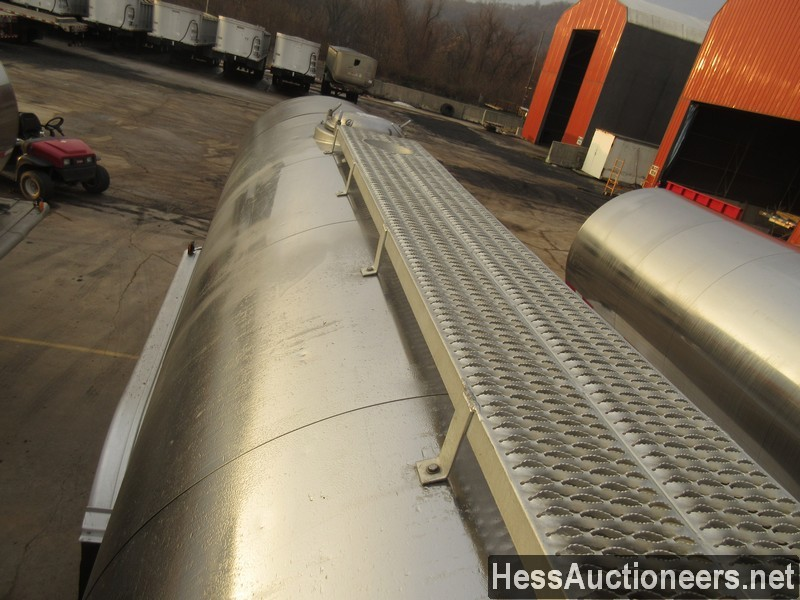 USED 2000 WALKER . TANK TRAILER #36173-12