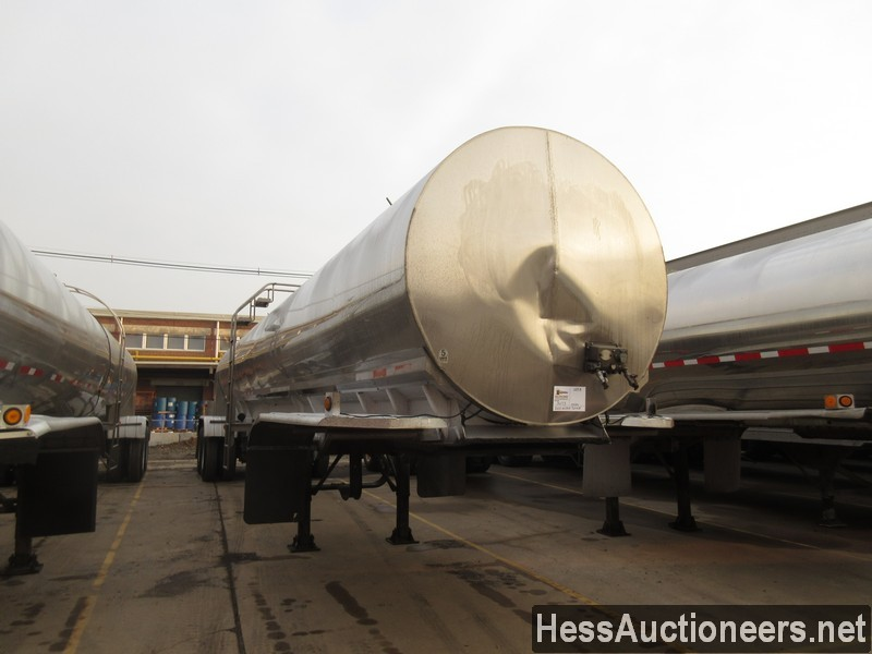 USED 2000 WALKER . TANK TRAILER #36173-2