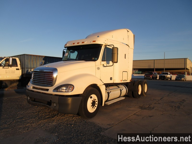 USED 2008 FREIGHTLINER COLUMBIA TANDEM AXLE SLEEPER TRAILER #36224