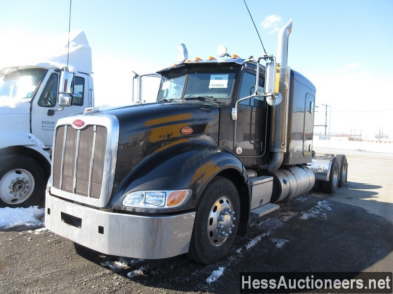 USED 2013 PETERBILT 386 TANDEM AXLE SLEEPER TRAILER #36264