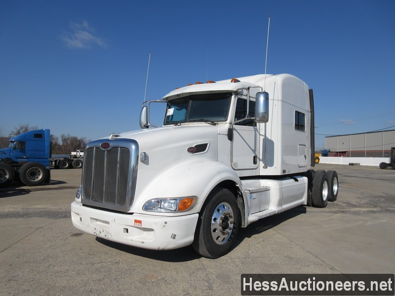 USED 2010 PETERBILT 386 TANDEM AXLE SLEEPER TRAILER #36292