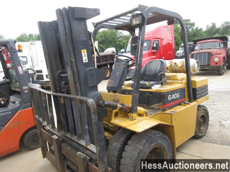 USED DAEWOO 640S MAST FORKLIFT EQUIPMENT #38628