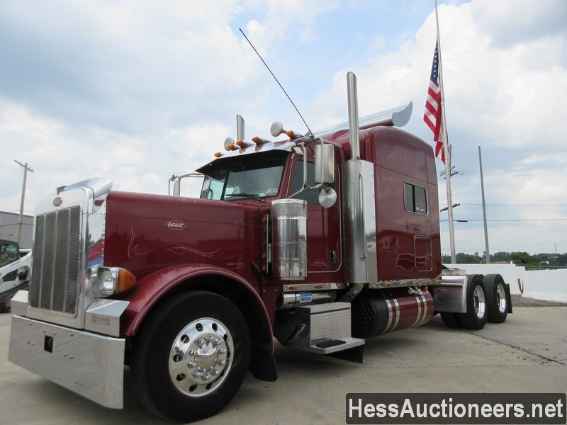 USED 2007 PETERBILT 379 TANDEM AXLE SLEEPER TRAILER #38938